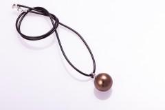 Perlamutra pērle