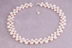 Pērles vieglos notoņos