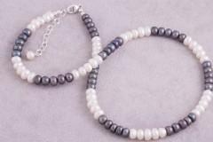 Divkrāsu pērļu kaklarota