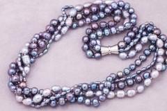 Dažādu toņu pelēkās pērles