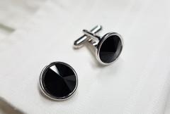Melnās aproču pogas